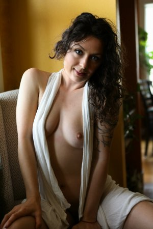 Friede live escorts