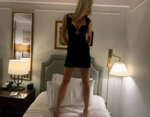 Benedicte escort girl