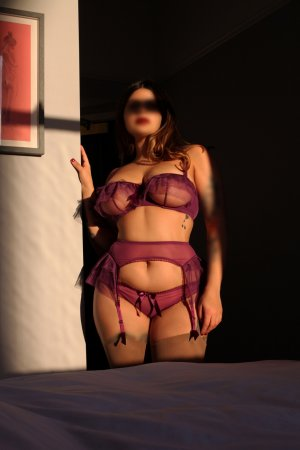 Chaines live escort in Kingsland